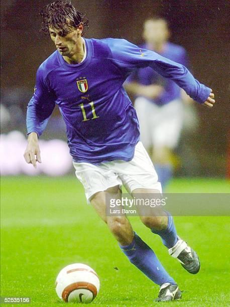 Fussball: Laenderspiel 2004, Braga; Portugal - Italien ; Carlo NERVO / ITA 31.03.04.