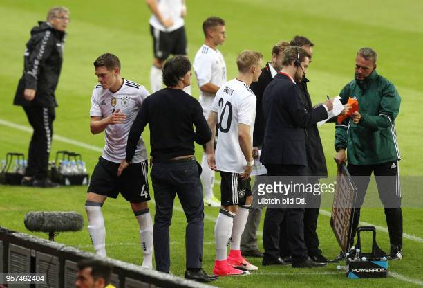 Fussball Laenderspiel 2017 Daenemark Deutschland 11 Spielerwechsel vli Matthias Ginter Bundestrainer Joachim Loew Joachim Löw Julian Brandt
