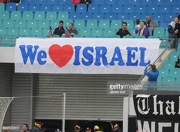 Fussball Länderspiel Deutschland - Israel 2-0, Transparent -We love Israel-