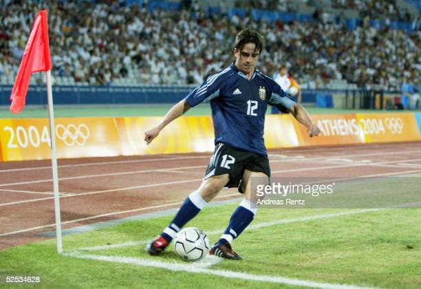 Fussball / Maenner: Olympische Spiele Athen 2004, Athen; Gruppe C / Argentinien - Serbien und Montonegro ; Mauro ROSALES / ARG 11.08.04.