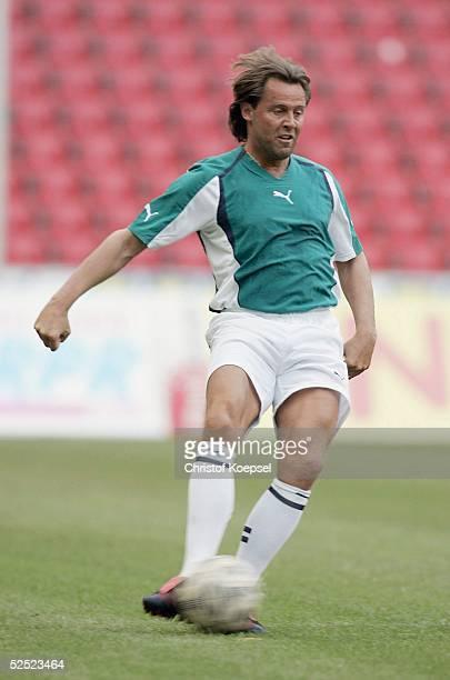 Fussball / Medien: Kick Off Party der Sportschau; Redaktion Sportschau - Auswahl Bundesliga; Hans-Peter LEHNHOFF / Auswahl Bundesliga 03.08.04.
