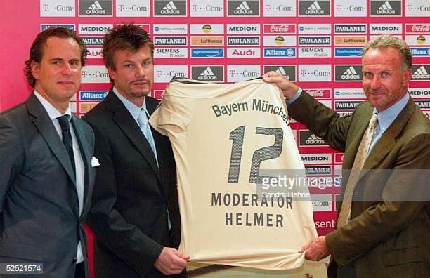 Fussball / Medien Muenchen Der FC Bayern Muenchen praesentiert seine TV Sendung FC Bayern das TComMagazin vl Thomas DEISSENBERGER / DSF...