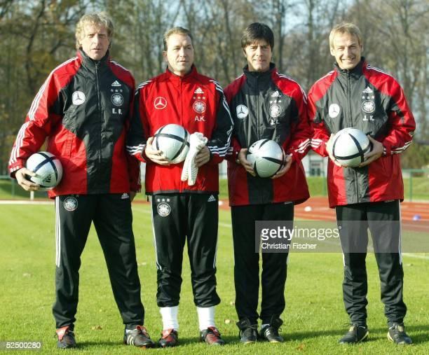Fussball Nationalmannschaft Deutschland 2004 Leipzig Training Erich RUTHEMOELLER Andreas KOEPKE Joachim LOEW und Bundestrainer Juergen KLINSMANN...