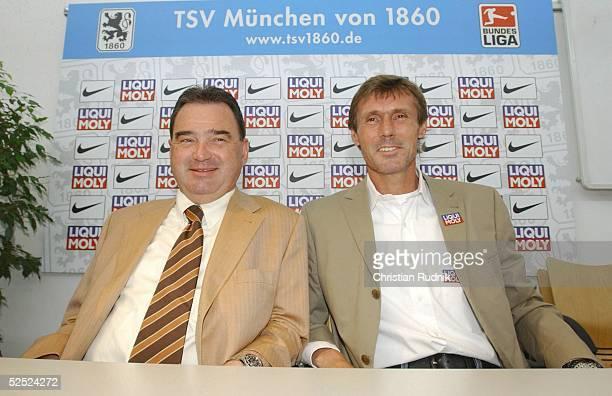 Fussball Pressekonferenz TSV 1860 Muenchen 2004 Muenchen Vorstellung neuer Trainer Praesident Karl AUER Trainer Rudi BOMMER 260504
