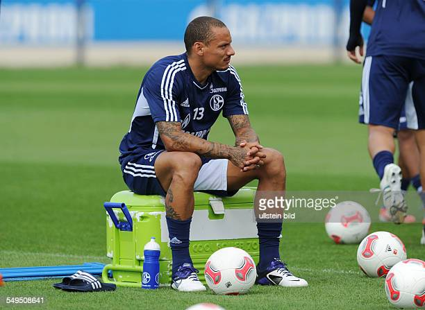 Fussball Saison 20122013 1 Bundesliga Training FC Schalke 04 Jermaine Jones