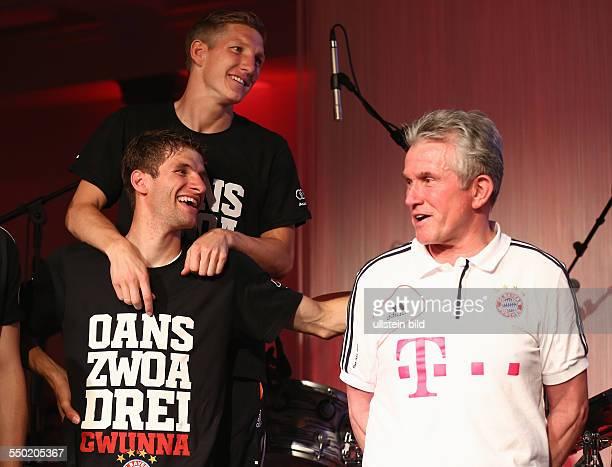 Fussball Saison 20122013 Festbankett des FC Bayern München nach dem Pokalsieg bei der Deutschen Telekom in Berlin Bild Nr 1317025...