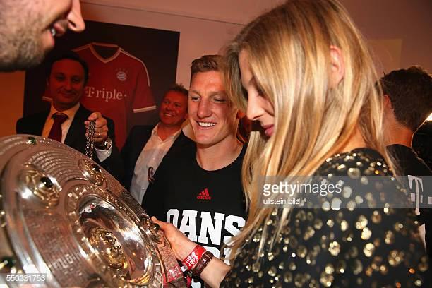Fussball Saison 20122013 Festbankett des FC Bayern München nach dem Pokalsieg bei der Deutschen Telekom in Berlin Bild Nr 1317004...