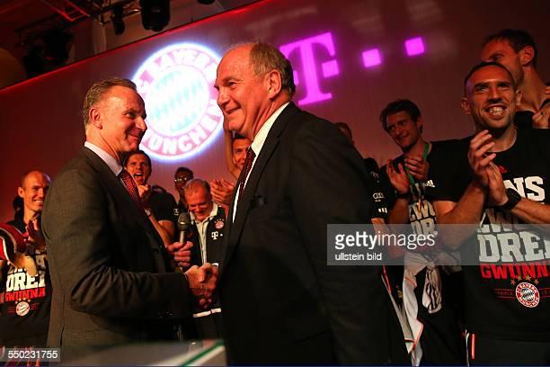 Fussball Saison 20122013 Festbankett des FC Bayern München nach dem Pokalsieg bei der Deutschen Telekom in Berlin Bild Nr 1317010...