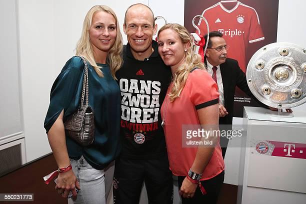 Fussball Saison 20122013 Festbankett des FC Bayern München nach dem Pokalsieg bei der Deutschen Telekom in Berlin Bild Nr 1317038...