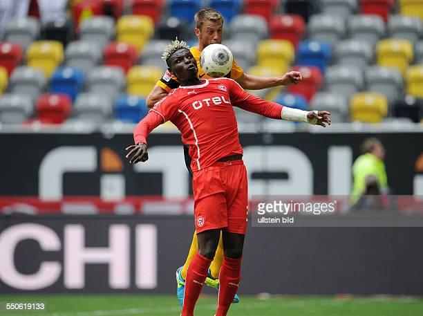 Fussball Saison 20132014 2 Bundesliga 7 Spieltag Fortuna Duesseldorf Dynamo Dresden Aristide Bance li gegen Adnan Mravac