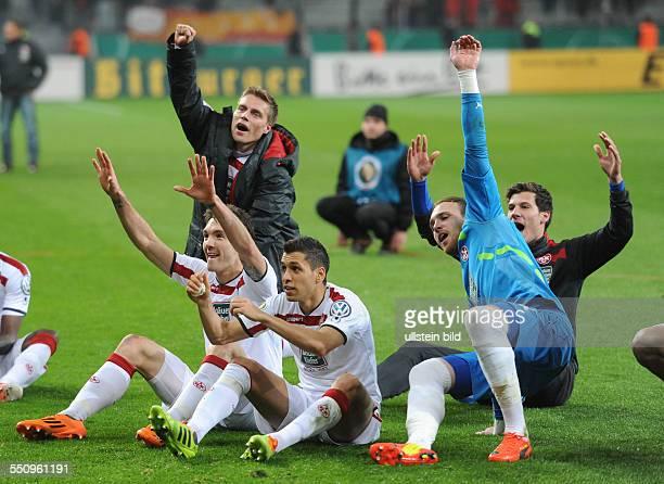 Fussball Saison 20132014 DFBPokal Viertelfinale Bayer 04 Leverkusen 1 FC Kaiserslautern 01 nV Lautern feiert den Sieg vli Srdjan Lakic Karim Matmour...
