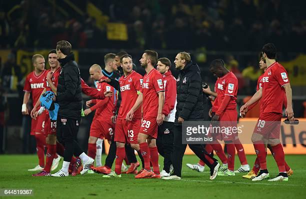 Fussball Saison 2014/15 1 Bundesliga 25 SpieltagBorussia Dortmund 1 FC Köln 00Kölns Spieler gehen gemeinsam in die Fankurve