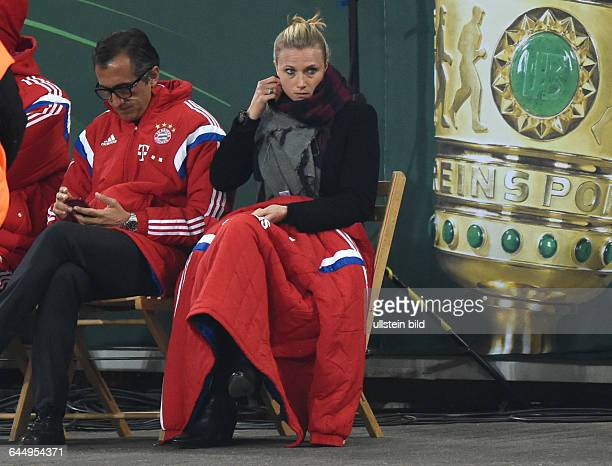 Fussball Saison 2014/15 DFB Pokal ViertelfinaleBayer 04 Leverkusen FC Bayern München 35 nETeamManagerin Kathleen Krueger