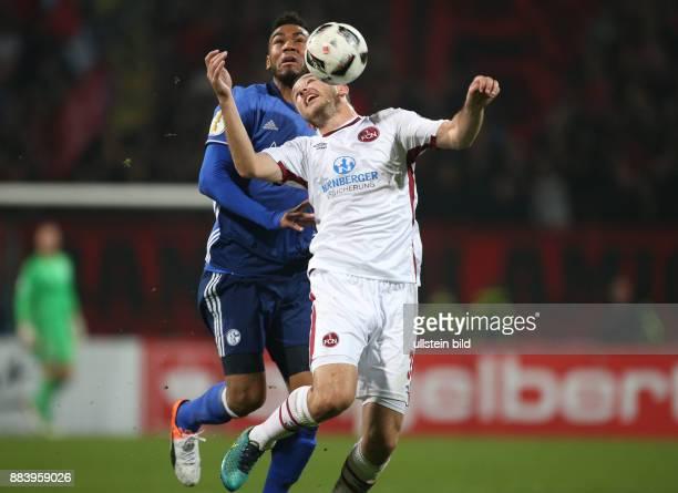Fussball Saison 2016/2017 DFBPokal 2 Runde Even Hovland re gegen Eric Maxim Choupo Moting Eric Maxim ChoupoMoting