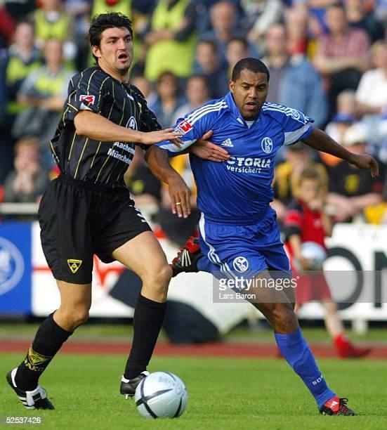 Fussball Testspiel 2004 Goch FC Schalke 04 Alemannia Aachen Alexander KLITZPERA / aachen AILTON / S04 200704