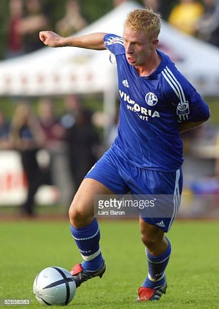 Fussball Testspiel 2004 Goch FC Schalke 04 Alemannia Aachen Mike HANKE / S04 200704