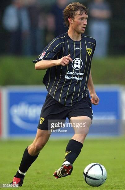 Fussball Testspiel 2004 Goch FC Schalke 04 Alemannia Aachen Simon ROLFES / Aachen 200704