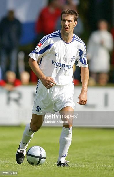 Fussball: Testspiel 2004, Rheine; Eintracht Rheine - FC Schalke 04; Mladen KRISTAJIC / Schalke 03.07.04.