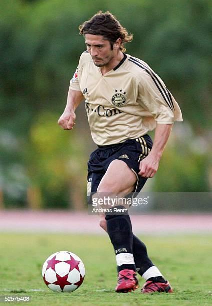 Fussball Testspiel 2005 Dubai FC Bayern Muenchen FC Energie Cottbus 10 Bixente LIZARAZU / Muenchen 100105