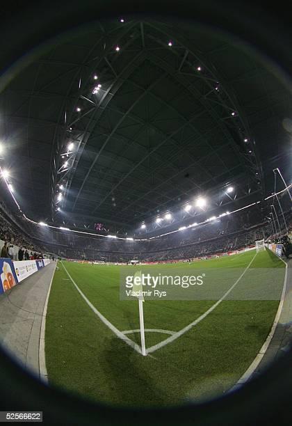 Fussball Testspiel 2005 Duesseldorf Fortuna Duesseldorf FC Bayern Muenchen 15 Uebersicht LTU Arena 180105