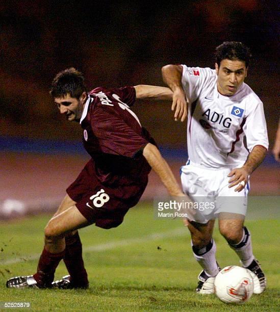 Fussball: Turnier 2004, Maspalomas / Gran Canaria; Hamburger SV - Sparta Prag 3:4; Mirko POLEDICA / Prag, Mehdi MAHDAVIKIA / HSV 13.01.04.
