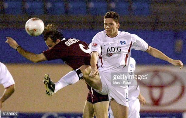 Fussball: Turnier 2004, Maspalomas / Gran Canaria; Hamburger SV - Sparta Prag 3:4; Igor GLUSCEVIC / Prag, Bastian REINHARDT / HSV 13.01.04.