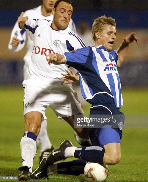 Fussball Turnier 2004 Maspalomas Hertha BSC RSC Anderlecht 12 Michal ZEWLAKOW / Anderlecht Artur WICHNIAREK / Hertha 120104