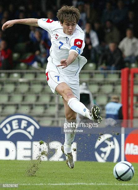 Fussball U 21 EM 2004 Oberhausen Kroatien Serbien Montenegro Danko LAZOVIC / SerbienMontenegro 270504