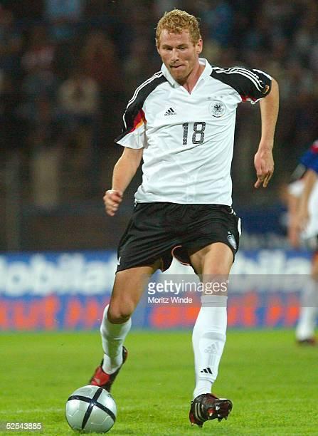 Fussball: U 21 Laenderspiel 2004, Dessau; Deutschland - Serbien Montenegro 5:3; Lukas SINKIEWICZ / GER 07.09.04.