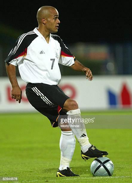 Fussball: U 21 Laenderspiel 2004, Dessau; Deutschland - Serbien Montenegro 5:3; David ODONKOR / GER 07.09.04.