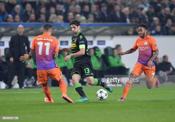 Fussball UEFA Champions League 2016/17 Vorrunde 5 Spieltag Borussia Moenchengladbach Manchester City 11 vli Aleksandar Kolarov Lars Stindl Raheem...