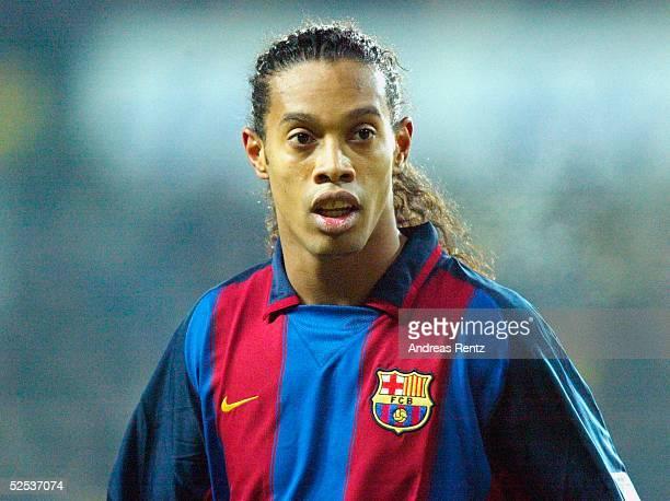 Fussball: UEFA Pokal 03/04, Kopenhagen; Broendby IF Kopenhagen - FC Barcelona 0:1; RONALDINHO / Barcelona 26.02.04.