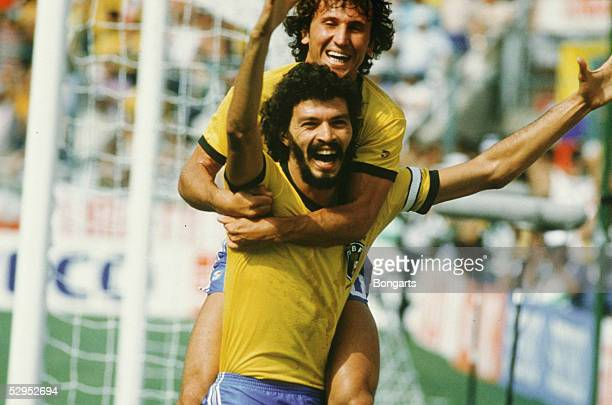 WM 1986 in Mexiko Jubel ZICO / BRA und SOCRATES / BRA FotoBONGARTS