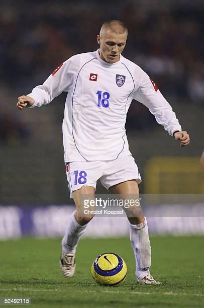 Fussball WM Qualifikation 2004 Bruessel Belgien Serbien und Montenegro 02 Zvonimir VUKIC / SCG 171104