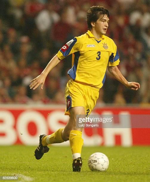 Fussball WM Qualifikation 2004 Kopenhagen Daenemark Ukraine Andrej RUSOL / UKR 040904