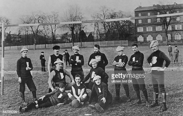Fussballmeisterschaft von Berlin 1897/98, die Mannschaft von BFC Frankfurt 84 ist Berliner Meister- Mannschaftsfoto- 1897/98
