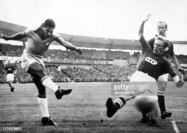 Fussball-WM 1958 in Schweden: Brasilien - UdSSR; Didi, Kessarew