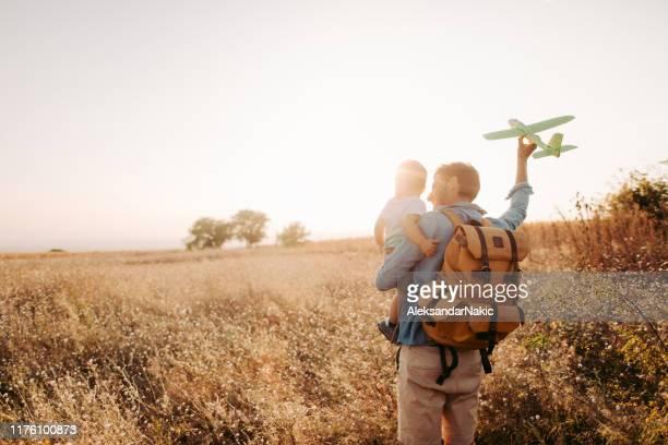 future airplane pilot - dia dos pais imagens e fotografias de stock