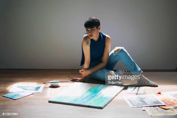 Framtida berömda konstnären i vardande