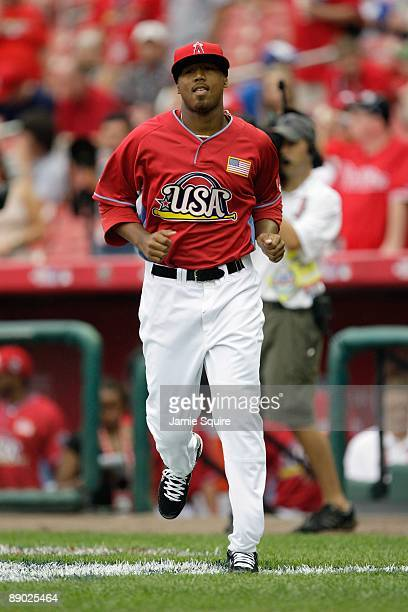 Futures All-Star Trevor Reckling of the Los Angeles Angels of Anaheim runs onto the field during the 2009 XM All-Star Futures Game at Busch Stadium...