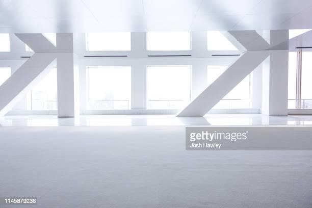 futuristic empty room, 3d rendering - bureau pièce photos et images de collection