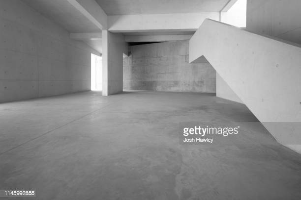 futuristic empty room, 3d rendering - land stock-fotos und bilder