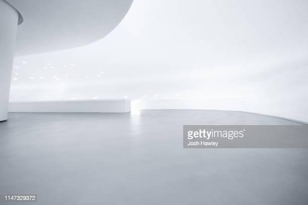 futuristic empty room, 3d rendering - wohnraum stock-fotos und bilder