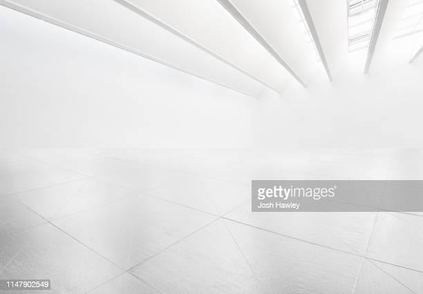 futuristic empty room, 3d rendering - leeg compositie stockfoto's en -beelden