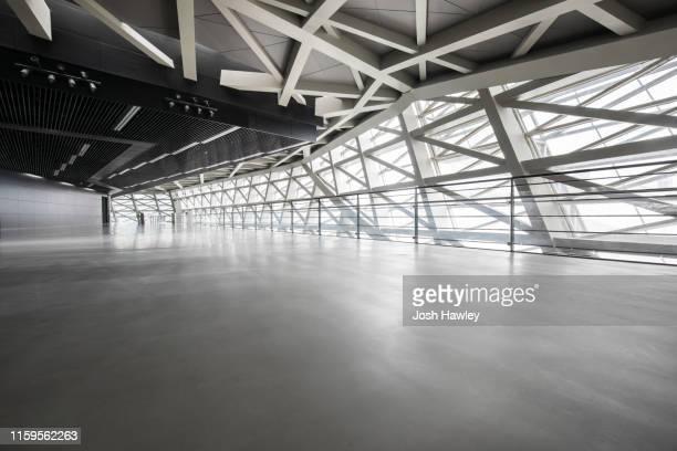 futuristic empty room, 3d rendering - leer stock-fotos und bilder