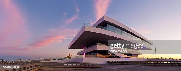 futurista pavilion panorama del atardecer de valencia - alicante fotografías e imágenes de stock