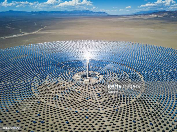 futuristic solar thermal power station - solar mirror stock pictures, royalty-free photos & images