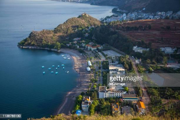 fuxian lake,honghe,yunnan,china - provinz yunnan stock-fotos und bilder