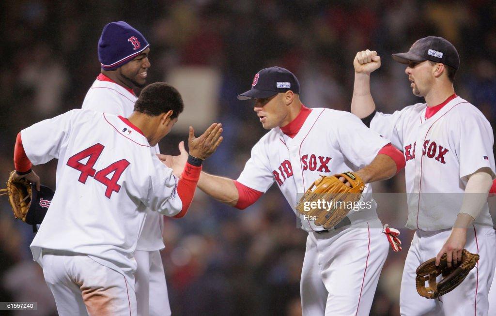 World Series: Cardinals v Red Sox Game 2 : News Photo