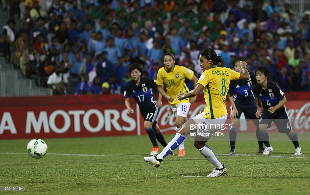Gabi Nunes of Brazil scores a penalty during the FIFA U-20 Women's World Cup, Quarter Final match between Japan and Brazil at the National Footbal Stadium on November 24, 2016 in Port Moresby, Papua New Guinea.